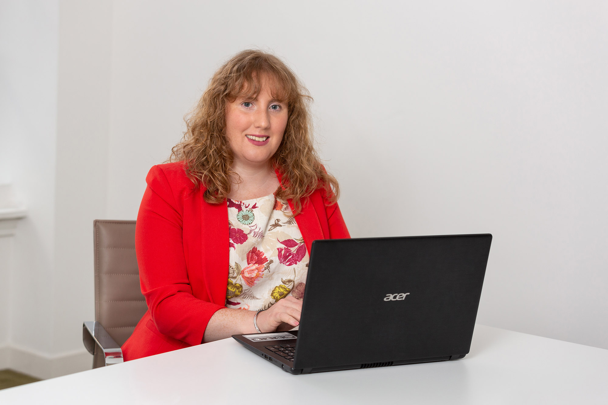 Louise Cameron / Senior Associate / Dispute Resolution / Friends Legal